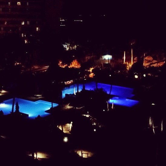 Hyatt Regency pool at night as viewed from our hotel room (727) balony)